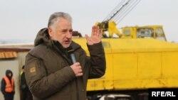 Павел Жебривский: переправу над рекой Сухая Плотва отстроили после того, как её взорвали боевики группировки «ДНР» в 2014 году