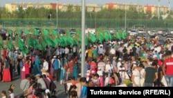 Репетиции ко Дню независимости в Ашхабаде (архивное фото)