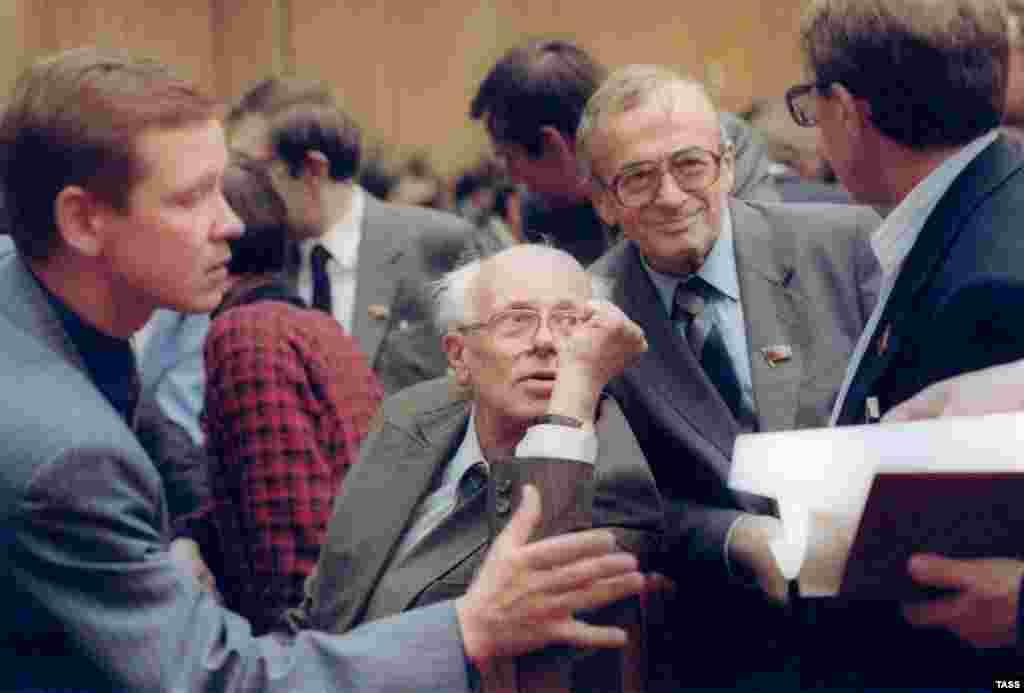 В кулуарах Съезда народных депутатов, 1989 г.