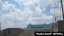 Тюрьма на окраине Худжанда. Архивное фото