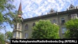 Будинок, в одній із квартир якого була зареєстрована Юлія Тимошенко до свого арешту