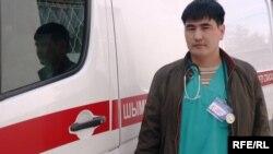 Сәбит Айнамқұлов, жедел жәрдем қызметінің дәрігері. Шымкент, 17 сәуір 2009 ж.