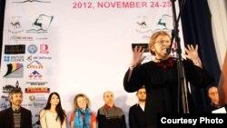 Экс-президент Отунбаева фестивалдын ачылышында