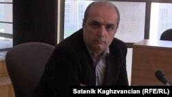 Գյումրիի ժուռնալիստների «Ասպարեզ» ակումբի խորհրդի նախագահ Լևոն Բարսեղյան, արխիվ