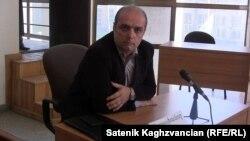 Գյումրիի Ժուռնալիստների «Ասպարեզ» ակումբի նախագահ Լևոն Բարսեղյանը, արխիվ: