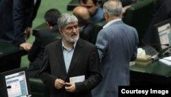 نایب رئیس مجلس ایران درباره وجود مصوبه شورای امنیت ملی برای ایجاد محدودیت علیه محمد خاتمی ابراز تردید کرده است.