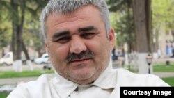 Афган Мухтарлы— незалежны азэрбайджанскі журналіст-дасьледчык. Архіўнае фота