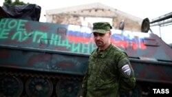 Командир одной из группировок сепаратистов Алексей Мозговой в Луганске, 26 июня