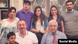 Իլհամ Ալիևն իր ընտանիքի հետ նշում է ծննդյան օրը, Բաքու, 24-ը դեկտեմբերի, 2014թ.