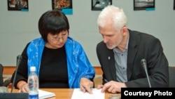 Талекан Ісмаілава і Алесь Бяляцкі. Фота www.fidh.org