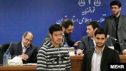 یکی از متهمان پرونده زورگیری در دادگاه- نهم دیماه ۱۳۹۱