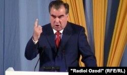 Тәжікстан президенті Емомали Рахмон. Душанбе, 26 маусым 2012 жыл.