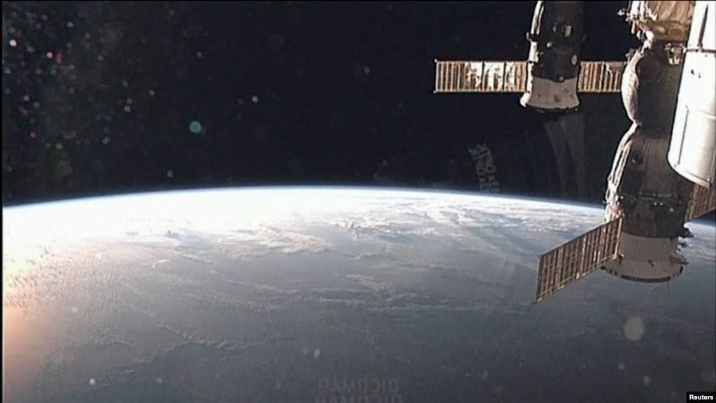 us shuttle joins russian space station - photo #25