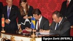 Konjević i Crnadak potpisuju sporazum