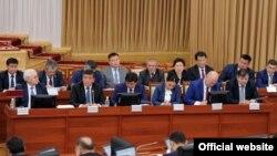 Қырғызстанның жаңа үкімет құрамы. Бішкек, 9 қараша 2016 жыл.