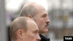 Belarus -- President Alyaksandr Lukashenka and his Russian counterpart Vladimir Putin in Minsk, 14Dec2007