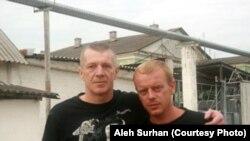 """Алег Сурган разам з братам Тарасам, фота """"Маладая Беларусь"""""""