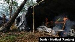 Околу 120 илјади Рохинџа живеат во нешто што личи на концентрациони логори