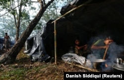 Mnoge Rohindže žive u bednim uslovima, nalik na koncentracione logore
