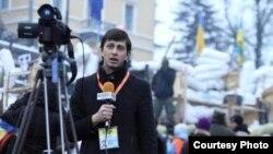 Аляксандар Баразенка перадае з Майдану, люты 2014