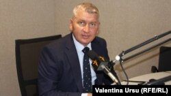 Deputatul Florin Roman în studioul de la Chișinău al Europei Libere