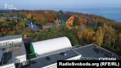 Колишня резиденція екс-президента Януковича «Межигір'я». Нині – національний парк
