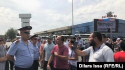 Протест эвакуированных из Арыси. Шествие в Шымкенте