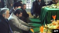 Иран президенті Махмуд Ахмадинежад төңкерістің 30 жылдық салтанатында
