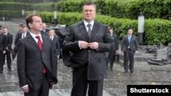 Президент Росії Дмитро Медвєдєв і президент України Віктор Янукович, 17 травня 2010 року