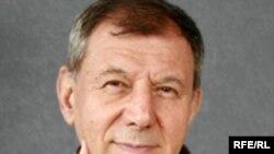RFE Balkan Service Correspondent Karabeg Omer