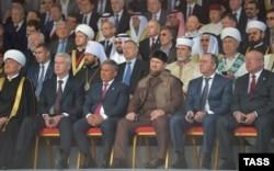Мәскәү Җәмигъ мәчете ачылышында Татарстан президенты һәм Чечня башлыгы да бар иде