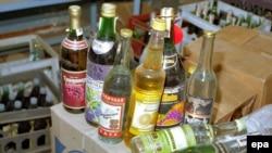 Пострадавшие, как правило, пили жидкости, купленные с рук по тридцать рублей за бутылку
