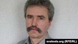 Сяргей Астраўцоў