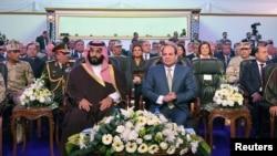 Президент Абдел Фаттах ал-Сиси Сауд Арабиянын ханзаадасы бин-Салман менен. 5-март, 2018-жыл.