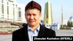 Ақтөбе облыстық сотының судьясы Ағызбек Төлегенов. Астана, 17 қазан 2011 жыл.