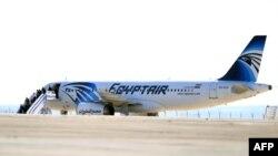 عکس آرشیوی ایرباس ۳۲۰ هواپیمایی مصر را که در ماه مارس در مصر ربوده شده و به قبرس برده شد، نشان میدهد