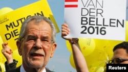 Александр Ван дер Беллен на предвыборном митинге