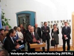 Чеська делегація на чолі із заступником голови МЗС Томашем Дубом, Сімферополь, 18 жовтня 2011 року