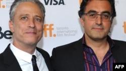 Джон Стюарт и Мазиар Бахари на премьере фильма «Розовая вода», состоявшейся на фестивале в Торонто