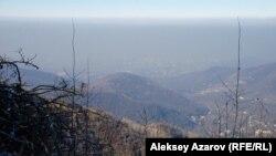 Алматы маңындағы тау (Көрнекі сурет).