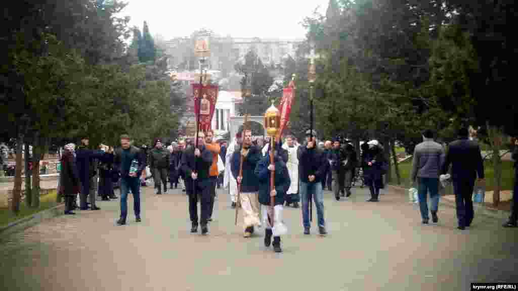 Крестный ход во время празднования Крещения в Севастополе
