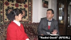 Tajikistan Tajik poet Farzona Khujandi speaks to Tajik Service correspondent Maasumi Muhammadrajab.1Nov2014