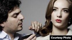 شان رحیم خان می گوید که به طور تصادفی آرایشگر شده است.