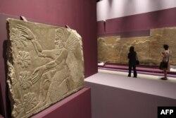 Nimrud şəhərindəki qazıntılar zamanı tapılanlar...