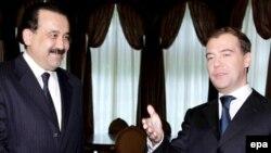 Премьер-министры Казахстана и России Карим Масимов и Дмитрий Медведев.