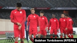 Тренировка сборной Кыргызстана по футболу. ОАЭ, город Абу-Даби. 10 января 2019 года.