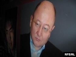 Фотокопия снимка оппозиционного политика Алтынбека Сарсенбаева с выставки о нем. Алматы, 10 февраля 2010 года.