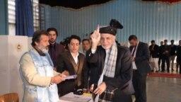 Afghan President Ashraf Ghani casted his vote in the Afghan election on October 20
