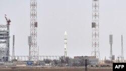 Ракета-носитель «Протон-М» на космодроме Байконур.
