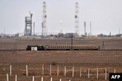 Ресей жалға алып отырған Байқоңыр ғарыш айлағында тұрған «Протон» тасымалдағыш зымыраны. 14 наурыз 2016 жыл.